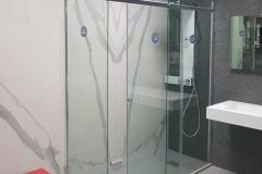 Sala mostre - es. Piatto doccia a filo pavimento